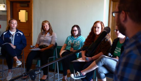 STUDENTS DISCUSS HOPES FOR AMERICANDREAM